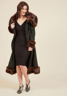 Luxe-y in Love Coat in Pine. When your paramour comes to sweep you away for the weekend, this wool-blend coat is the first thing you grab from your closet! #green #modcloth