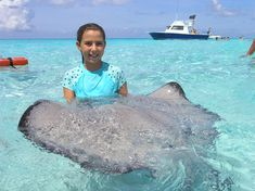A wonderful opportunity to enjoy two of Grand Cayman's most popular attractions in one customized program!