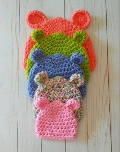 Baby Bear Hat 5 Sizes - Free Crochet Pattern - OkieGirlBling'n'Things What is cuter than teeny, tiny baby hats? Of course, not that the baby wearing the hat isn't cute anyway Crochet Baby Hats Free Pattern, Bonnet Crochet, Crochet Baby Beanie, Baby Girl Crochet, Crochet Baby Clothes, Newborn Crochet, Crocheted Baby Hats, Booties Crochet, Crochet Baby Stuff