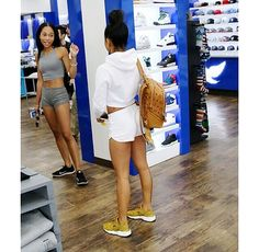 "d4c8543509ee1 Karrueche Tran with the goddamn gorg Nike Air Huarache Run ""Bronzine ..."
