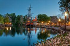A Quiet Morning on the Rivers of America; Photo by Matthew Hansen Disneyland Resort California, Disneyland Today, Disneyland Photos, Disneyland Park, Disney California Adventure, Disney Day, Disney Parks, Disney Theme, Walt Disney
