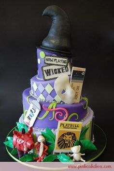 So if i were to do a broadway themed wedding, this would be my cake.but no big hat up top maybe a little one down by the wicked sign, then on top a big BROADWAY sign with the bride and groom in front of it! Pretty Cakes, Beautiful Cakes, Amazing Cakes, Duff Goldman, Cupcakes, Cupcake Cakes, Mini Cakes, Broadway Theme, Broadway Wedding