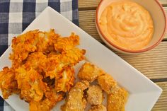 Krokante vis-nuggets uit de oven Crispy fish nuggets from the oven – Tasty and Simple Oven Baked Fish, Baked Tilapia, I Love Food, Good Food, Yummy Food, Snack Recipes, Healthy Recipes, Snacks, Tapas