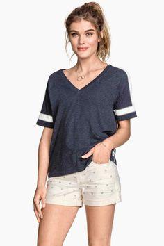 T-shirt à encolure en V   H&M