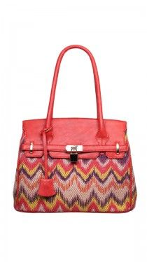 This is the perfect summer purse. I love everything about it! <3