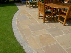 Sandstone Patio Paving Slabs, Suppliers of Sandstone Paving Supplies London and Sandstone Paving Supplies Essex Garden Slabs, Patio Slabs, Garden Paving, Patio Flooring, Cement Patio, Patio Edging, Curved Patio, Brick Edging, Raised Patio