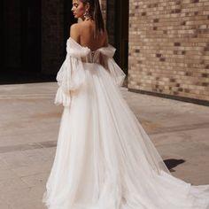 Cream Wedding Dresses, Sweetheart Wedding Dress, Wedding Dresses Photos, Wedding Gowns, Long Sleeve Wedding, Wedding Dress Sleeves, Boho Wedding Dress, Dresses With Sleeves, Tulle Wedding