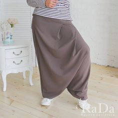 Та-да-да-даммм  Что это?? А это, мои любимые, зуавы.  Кто не носил, тот не жил 😂 , а кто носил, тот не снимет 😎😅 А теперь шутки в сторону.… Harem Pants, Fashion, Moda, Harem Trousers, Fasion, Trendy Fashion, La Mode