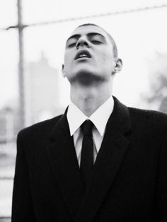 Sharp style shown by Mickey Ayoub in Oyster Magazine. Photo by Jolijn Snijders. Boys Don't Cry, Pose Reference Photo, Teddy Boys, Face Photo, Skinhead, Face Expressions, Black And White Portraits, Drawing Poses, Male Beauty
