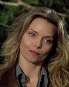 Michelle Pfeiffer as Laura Alden in Wolf movie.