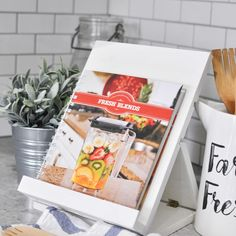With the ability for fold down flat, this recipe stand makes reading recipes easy and functional. Get the free plans with full building instructions. Diy Book Stand, Cook Book Stand, Recipe Book Holders, Cookbook Holder, Cool Woodworking Projects, Diy Woodworking, Diy Projects, Woodworking Furniture, Diy Furniture