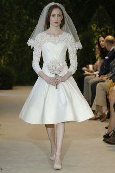 Yo quiero comer perdices contigo..  Vestido de novia corto inspiración años 50 de Carolina Herrera (SS 2014) #weddingdresses #NYBW