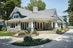 Entry perfection Craftsman Style House Plan - 4 Beds 3.50 Baths 3797 Sq/Ft