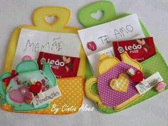 Portanotas para la cocina hechos con foamy Handmade Gifts For Friends, Gifts For Coworkers, Handmade Felt, Foam Crafts, Crafts To Make, Diy Crafts, Diy For Kids, Crafts For Kids, Mini Craft