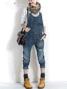 Korean version of the new women's jeans female pants Denim Bib pants suspenders 9433 female Jeans Denim, Sexy Jeans, Style Du Japon, Jean Sexy, Suspender Jeans, Baggy, Overalls Outfit, Inspiration Mode, Japan Fashion