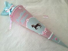 Schultüten - ★ Pferde Schultüte Zuckertüte DEKOkissen  ★ - ein Designerstück von Zuckermaeuschen bei DaWanda