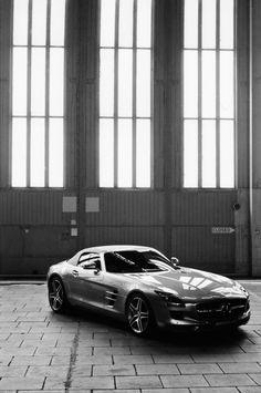 Gorgeous Mercedes Benz SLS