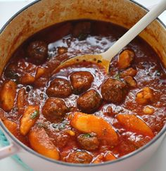 Middelhavsgryte – Passion For baking – Oppskrifters Meatball Stew, Kos, Cooking Recipes, Healthy Recipes, Diy Food, Main Meals, Curry, Food Porn, Good Food