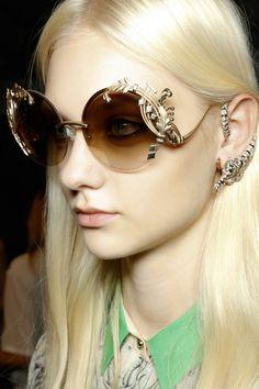 """Le point sur les tendances """"lunettes de soleil"""". http://femina.ch/defile-lunettes-soleil"""