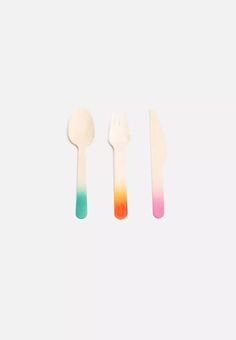 Add a touch of colour to your party with this wooden cutlery set. Guests can enjoy delicious food with these easy-to-dispose birch knives, forks and spoons, harvested from a sustainable source. Forks And Spoons, Cutlery Set, Harvest, Tropical, Yummy Food, Canning, Chic, Party, Color