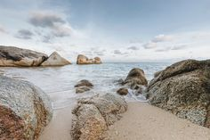 Koh Samui Holiday Villa #kohsamui #samui #thailand #asianluxuryvillas _____________________ This villa is a remarkable and expansive beachside gem surrounded by tropical oceanview splendour