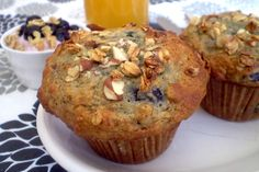 Muffins bleuets et granola use almond flour instead of oats. Mini Muffins, Blue Berry Muffins, Cream Cheese Sugar Cookies, Muffin Bread, Rice Krispie Treats, Rice Krispies, Cookies Ingredients, Mini Foods, Granola
