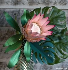 Explore the versatility of paper crafting with hundreds of easy paper crafts and DIY projects, including paper flowers, botanicals and printable stationery Flor Protea, Protea Flower, Paper Sunflowers, Paper Roses, Felt Flowers, Diy Flowers, Flower Patterns, Flower Designs, Papercraft