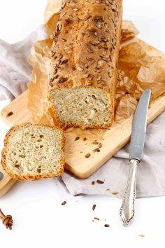Dinkel-Joghurt Brot mit Chia-Samen www.whatmakesmehappy.de
