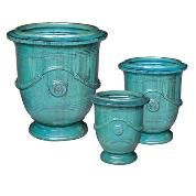 Love the garden planters at www.wellappointedhouse.com turquoise anduze!