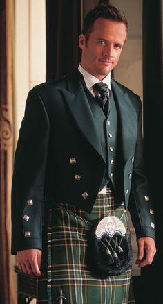 Scottish evening wear with kilt Scottish Man, Scottish Kilts, Traditional Irish Clothing, Traditional Outfits, Celtic Wedding, Irish Wedding, Dandy, Kilt Hire, Men In Kilts