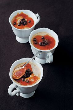 Irish coffee crème brûlée are decadent desserts full of flavour with the crisp sugar and smooth custard combination everyone loves. Caramel Creme Brulee Recipe, Coffee Creme Brulee, Coffee Dessert, Coffee Cake, Pudding Desserts, Dessert Recipes, Kinds Of Soup, Roasting Tins, Irish Coffee
