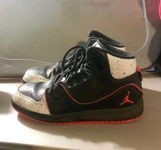 new product c5543 4c26c Nike Jordan 1 Flight 2 Basketball Shoes GreyBlackRed 631784-062 Boys Size  5.5Y