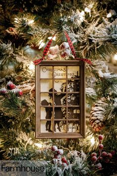 """""""I both treasure the traditions and embrace the new delights,"""" writes editor Susan Wagner in her Country Sampler Farmhouse Christmas Issue editor's letter. """"The holidays are a time to enjoy both the old and the new. It's a time to reflect and give peace and thanks for your blessings."""" Susan Wagner, Country Sampler, Primitive Homes, Festival Decorations, Editor, Farmhouse Style, Diy Projects, Make It Yourself, Traditional"""