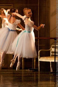 Looks like Degas ballerinas