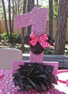 Hostess with the Mostess® - Minnie Mouse ! Minnie Mouse Decorations, Minnie Mouse Theme Party, Minnie Mouse 1st Birthday, Mickey Mouse Parties, Mickey Party, 1st Birthday Girls, First Birthday Parties, Birthday Ideas, Disney Parties