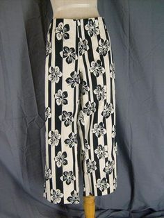 Size 14 Kenneth Cole Reaction Cropped Pant Black & White Floral Print Nwt Cotton