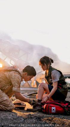 Descendants of the sun wallpaper Song Joong-ki and Song Hye-kyo O Drama, Drama Fever, Korean Drama Quotes, Korean Drama Movies, Desendents Of The Sun, Descendants Of The Sun Wallpaper, Song Joon Ki, Sun Song, Songsong Couple
