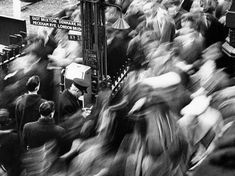 Bob Collins: Rush Hour, Victoria Station, 1960
