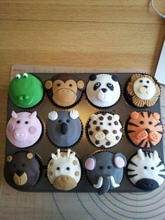 animal cupcakes that are too sweet to eat! - Cupcake 12 animal cupcakes that are too sweet to eat! - Cupcake - 12 animal cupcakes that are too sweet to eat! Kid Cupcakes, Cupcakes Design, Cupcake Cookies, Panda Cupcakes, Zoo Animal Cupcakes, Birthday Cupcakes, Animal Cakes For Kids, Giraffe Cupcakes, Jungle Cupcakes