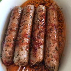 saucisses aux herbes chipos avant cuisson Brie, Vegetarian Day, Bacon Sausage, Party Finger Foods, Seitan, Vegan Cheese, Sauce, Going Vegan, Meat Recipes