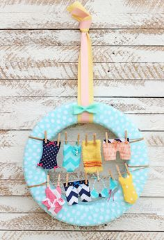 Summer Wreath Idea- Swimsuits on the Clothesline