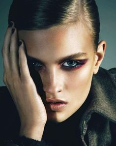 A superb beauty story by fashion photographer Andrew Yee from this month's BlackBook magazine, mixes impressive make-up and coveted Burberry coats. Fashion Photography Art, Celebrity Photography, Portrait Photography, Beauty Make Up, Hair Beauty, Beauty Shoot, Stunning Eyes, Beautiful, Beauty Editorial