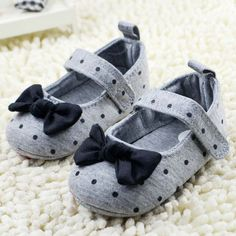 Barato Sapatos de bebê da criança Polka Dot Bowknot Berço Sapatos Macios Sole…