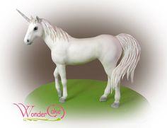 Gorgeous unicorn cake by Wonder Cake