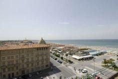 """a_View.JPG (450×301)Progetto di Alfredo Belluomini, decorazioni ceramiche di Galileo Chini,""""ex Hotel Excelsior"""", (1925), Viale Carducci (lungomare), Viareggio. Foto anni 1940 c."""