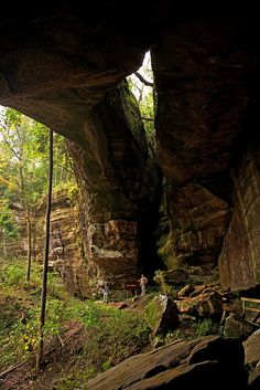 Natural arches in Carter Caves State Resort Park, Kentucky