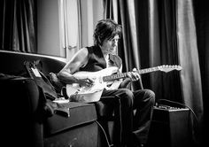Go Behind the Scenes With Brian Wilson and Jeff Beck Pictures - Relaxing   Rolling Stone