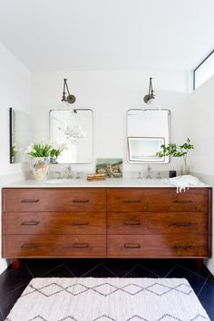 Bathroom decor inspiration for two styles of vanity/tile for our DIY fixer upper home projects Bathroom Inspiration, Bungalow Bathroom, Bathroom Inspiration Decor, Bathroom Decor Themes, Bathrooms Remodel, Interior, Wallpaper House Design, Tile Bathroom, Home Decor