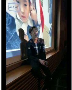 Drama Korea, Korean Drama, Lee Jong Suk Wallpaper, Korean Male Actors, Aesthetic Songs, Kdrama Actors, Handsome Actors, K Idols, My Boyfriend