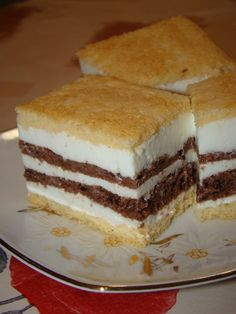Cristina's world: Prajitura fina - dukan style Points Plus Recipes, No Carb Recipes, Cooking Recipes, Low Carb Desserts, Dessert Recipes, Wheat Belly Recipes, Dukan Diet, Paleo Diet, Romanian Food